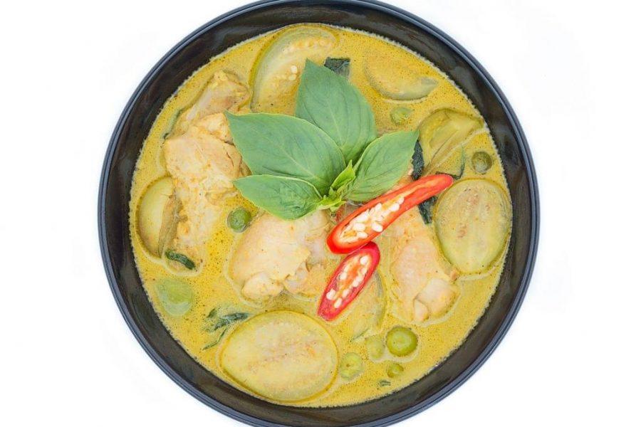 Simple-Coconut-Lemongrass-Chicken-and-Kale-e1517246277761