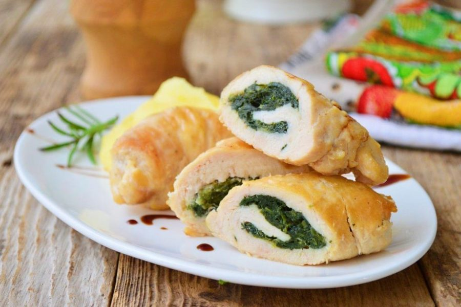 Spinach-and-Bacon-Stuffed-Chicken-Thighs-e1517250371193